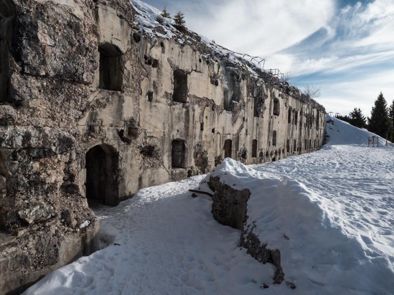 Overblijfselen uit WO1 bij Alpe Cimbra Folgaria © Claudia Zanin